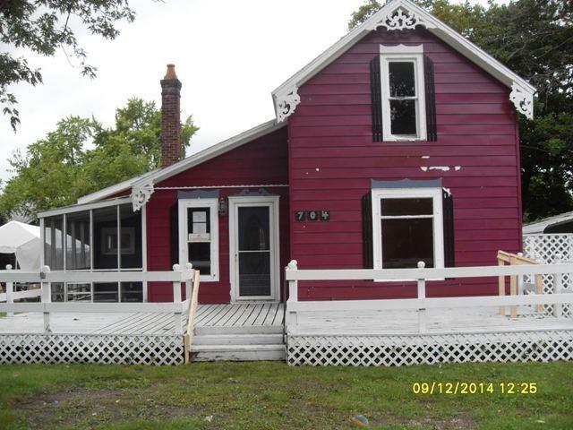 704 N Clark Street Nappanee, IN 46550