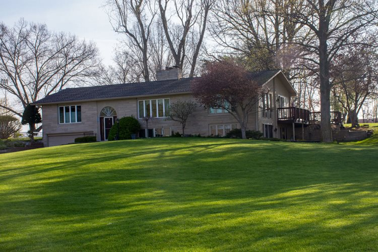 58938  Towne Rd. Elkhart, IN 46517